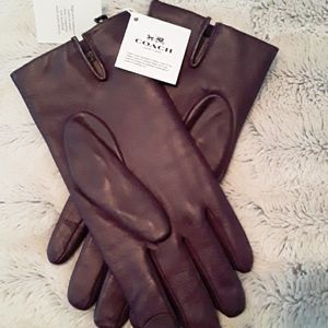 Coach leather tec gloves